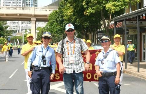 Полиция поддержала последователей Фалуньгун на митинге во время саммита G20